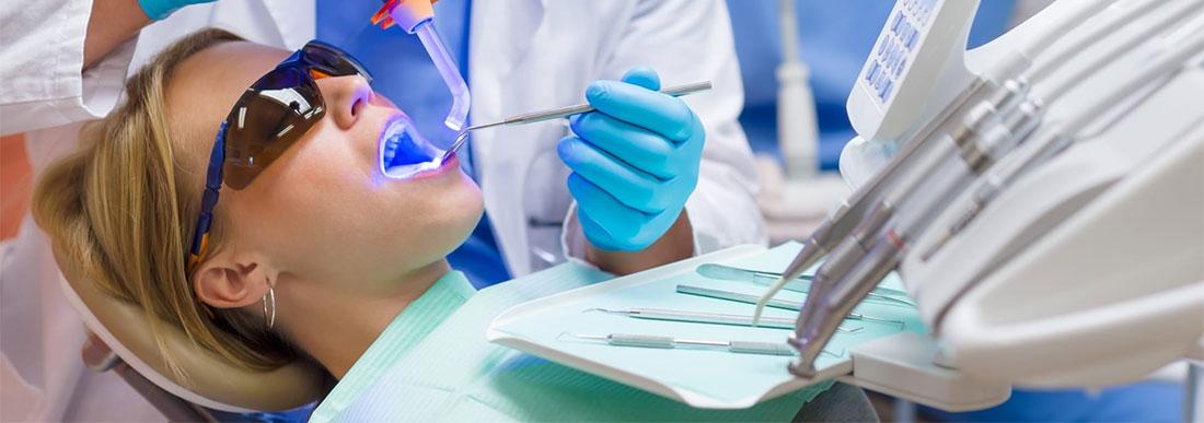 Материалы для стоматологии: ложки оттискные, лотки, шприцы и другое
